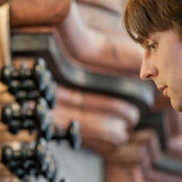 Bild des Orgelspielers Philipp Christ
