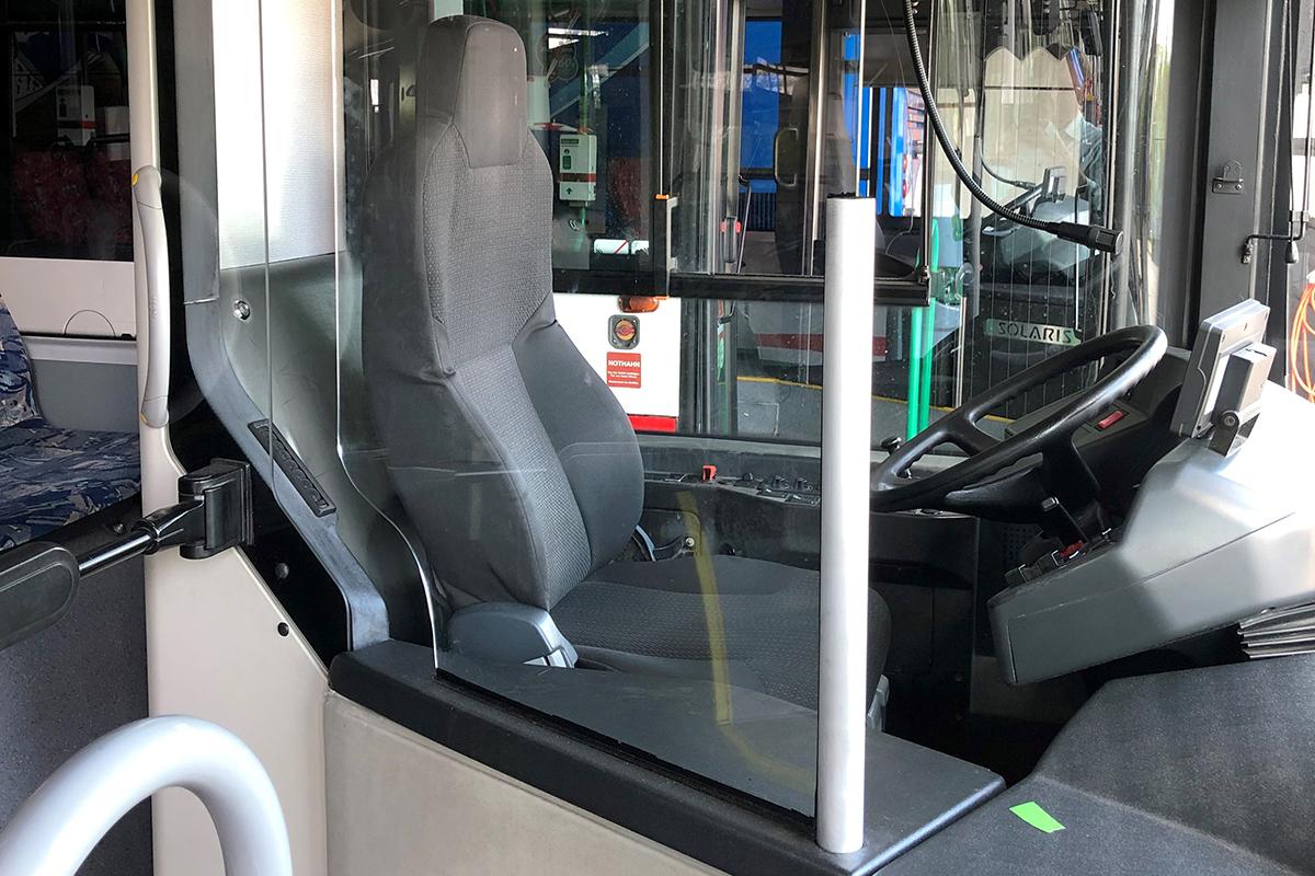 Nachrüstung einer Scheibe zum Fahrpersonal in Bussen