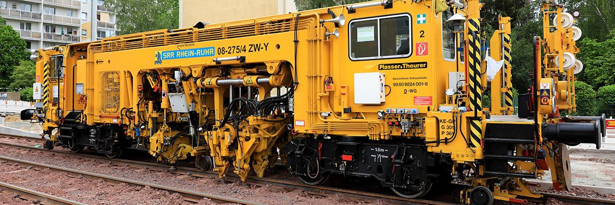 Gleisstopfmaschine (Foto: Peter Gercke)