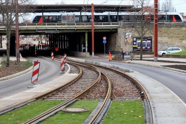 Straßenbahnneubaustrecke Warschauer Straße am S-Bahnhof Buckau/Puppentheater (Foto: Peter Gercke)