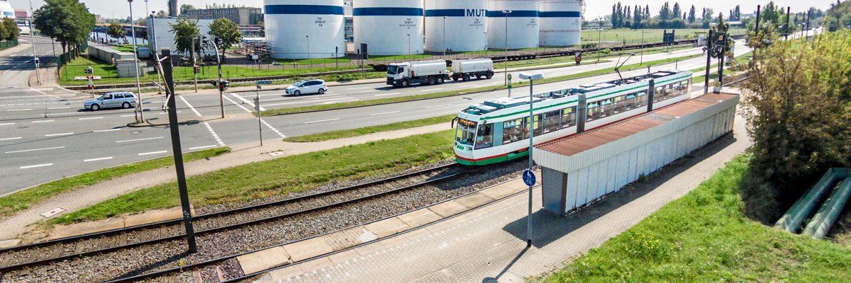 Linie 10 an der Haltestelle Rothensee